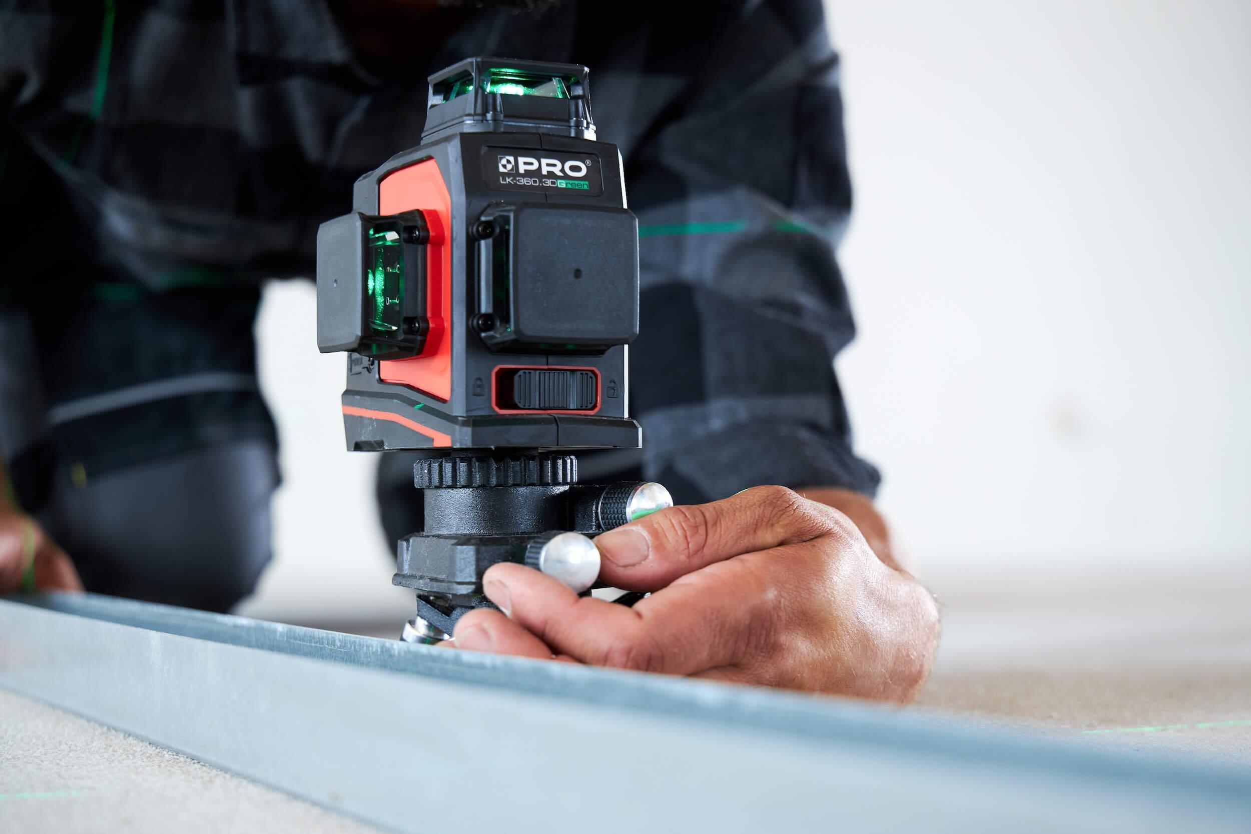 Przyrządy pomiarowe - lasery krzyżowe idalmierze. Jak mierzyć precyzyjnie?